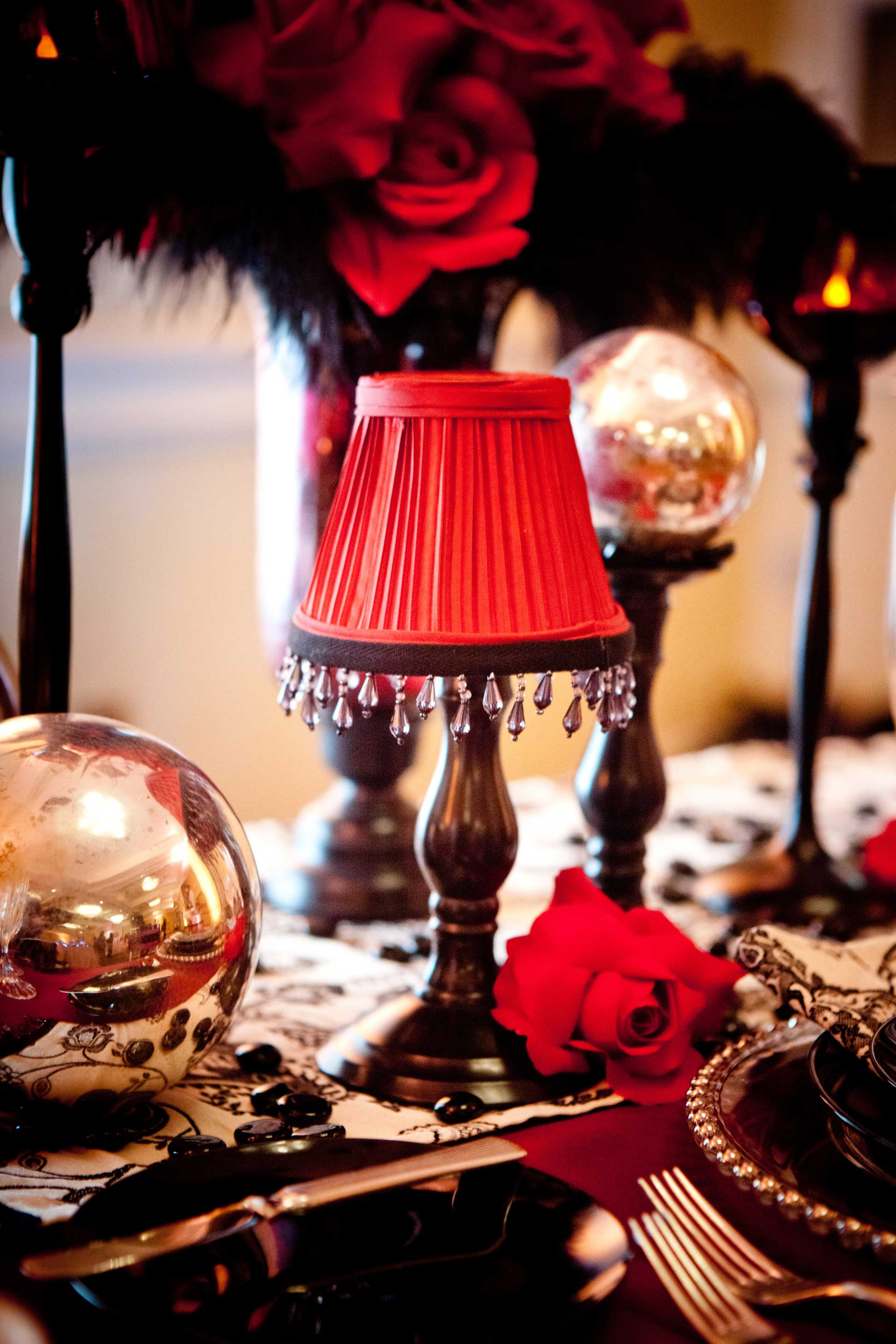 Cabaret The Hitching Post - Cabaret table lamps